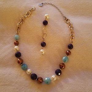 Jewelry - Necklace earring set